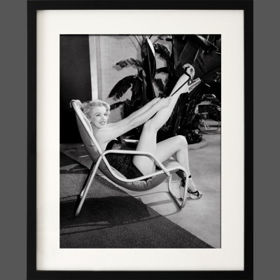 Frank Worth: Marilyn Monroe in Bathing Suit with Leg up 1949