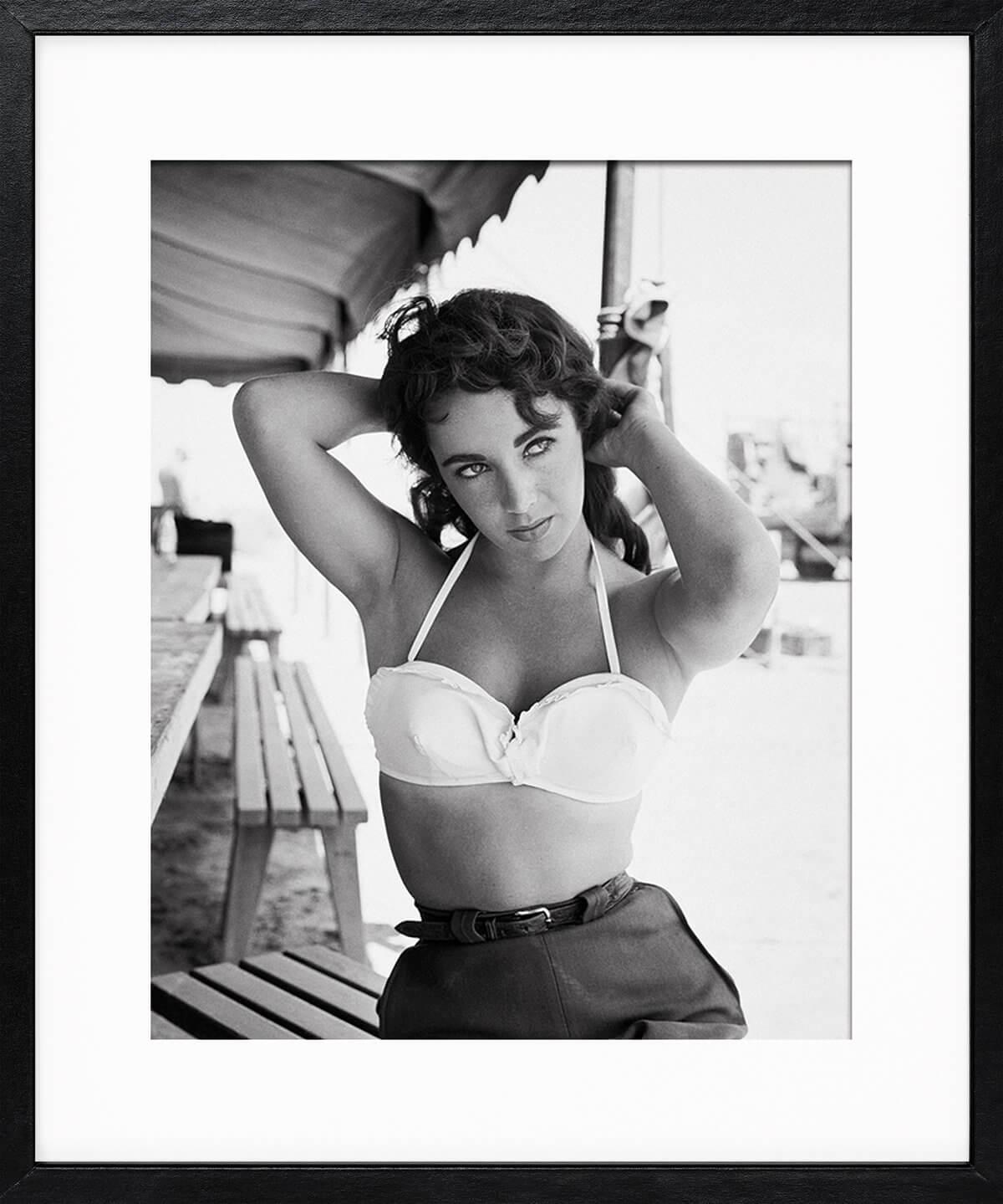 Frank Worth: Elizabeth Taylor with Hands behind Head 1955