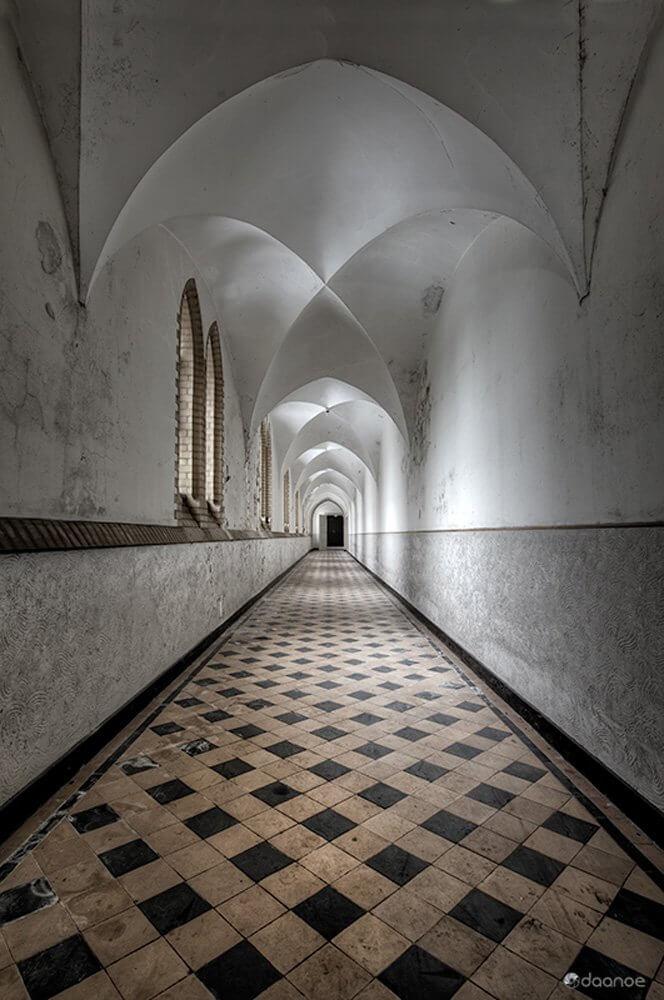 Daan Oude Elferink: Passage of Devotion