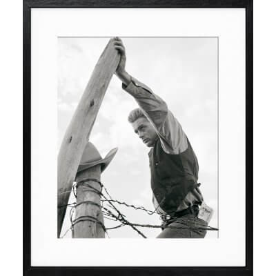 Frank Worth: James Dean on fence post
