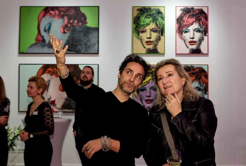 Artist Antonio Del Prete with one of his guests